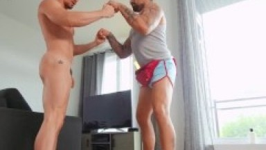 Men - Hole Stretching Coach Ryan Bones Is Out For A Jog & Sees Skyy Knoxx Fucking A Dildo & Joins In