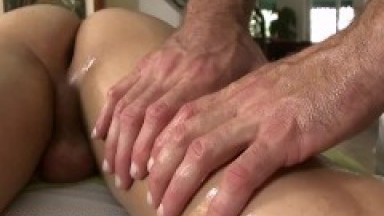 GAYWIRE - Calvin Coons Gets Erotic Massage From Trace Michaels